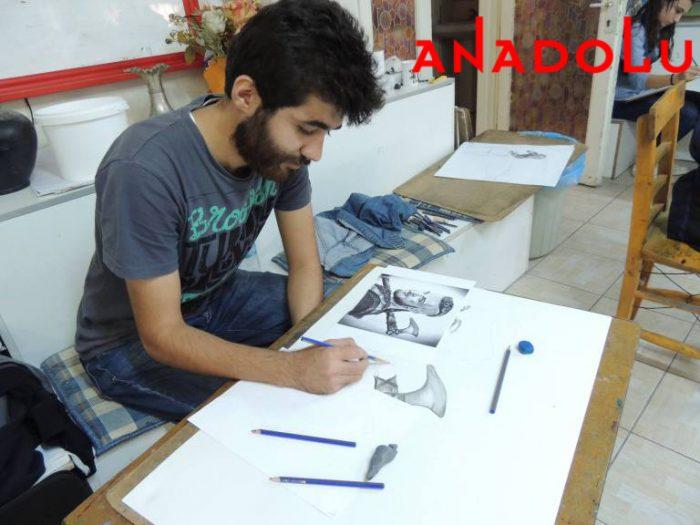 Hobi Karakalem Potre Çizim Dersleri İzmir