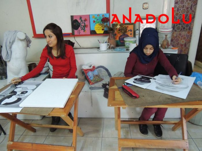 Hobi Dersi Karakalem Çalışması Adana