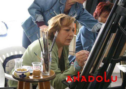 Zeliha Hanım Resim Çalışırken İzmir